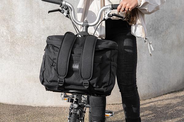brompton metro backpack m black lifestyle 5